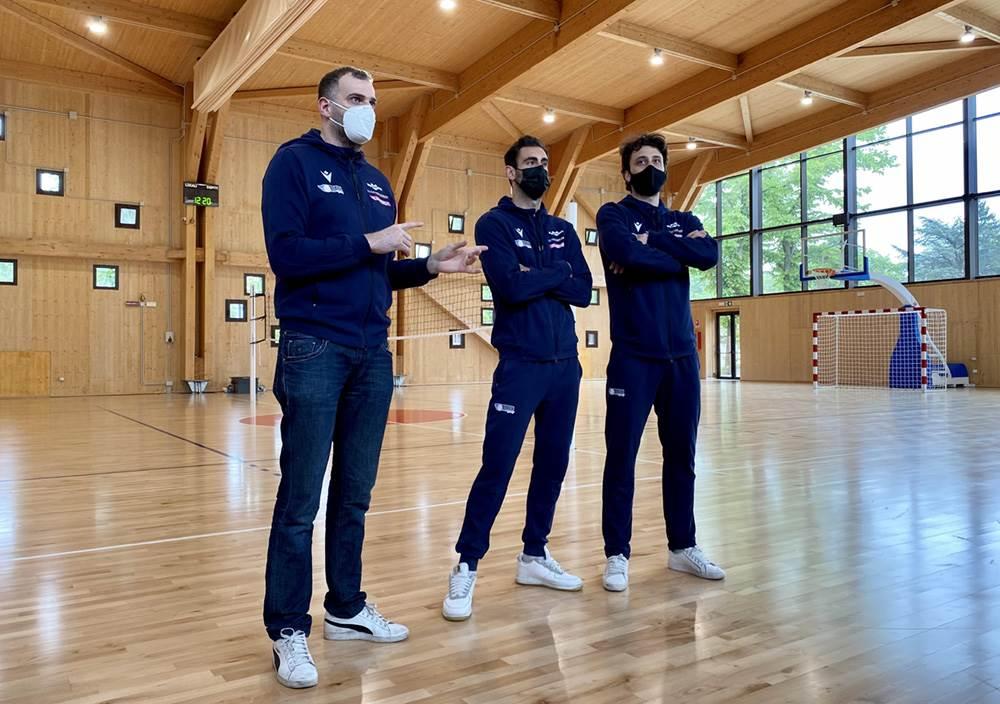 Gli atleti di Gas Sales Bluenergy Volley Piacenza incontrano i ragazzi delle scuole  image