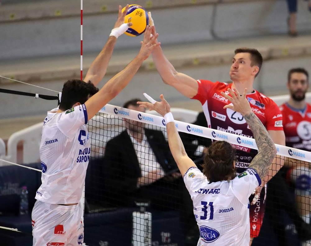 A Cisterna Gas Sales Bluenergy Volley Piacenza trova la vittoria al tie break image